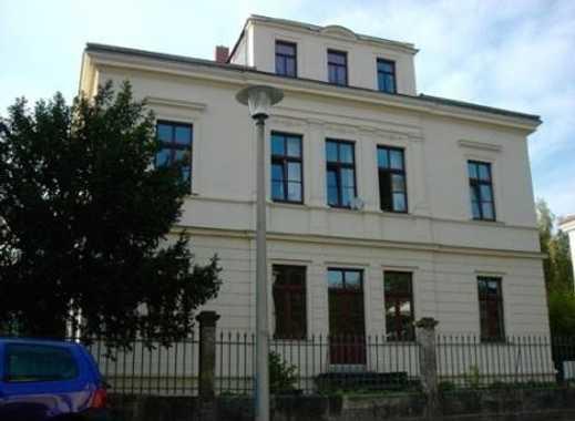 Schöne Wohnung mit Parkett, Einbauküche und Terrasse im preußischen Viertel! Frei ab Sofort!!