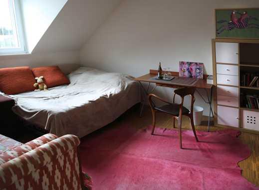 Schönes möbeliertes Zimmer in einem Townhaus in der Näher von Henningerturm (Frankfurt - Sachsenhaus