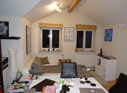 2,5-Zimmer-Wohnung mit EBK und Einzelgarage in Freiberg am Neckar