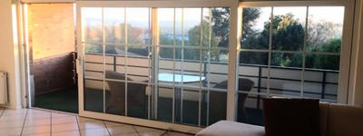 Große sonnige Wohnung im Grünen mit Balkon inkl. Küche und Doppelgarage