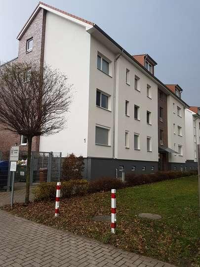 Renovierte 3-Zimmer Dachgeschosswohnung mit Dachterrasse in Wettbergen, Ida-Boie-Str. 1