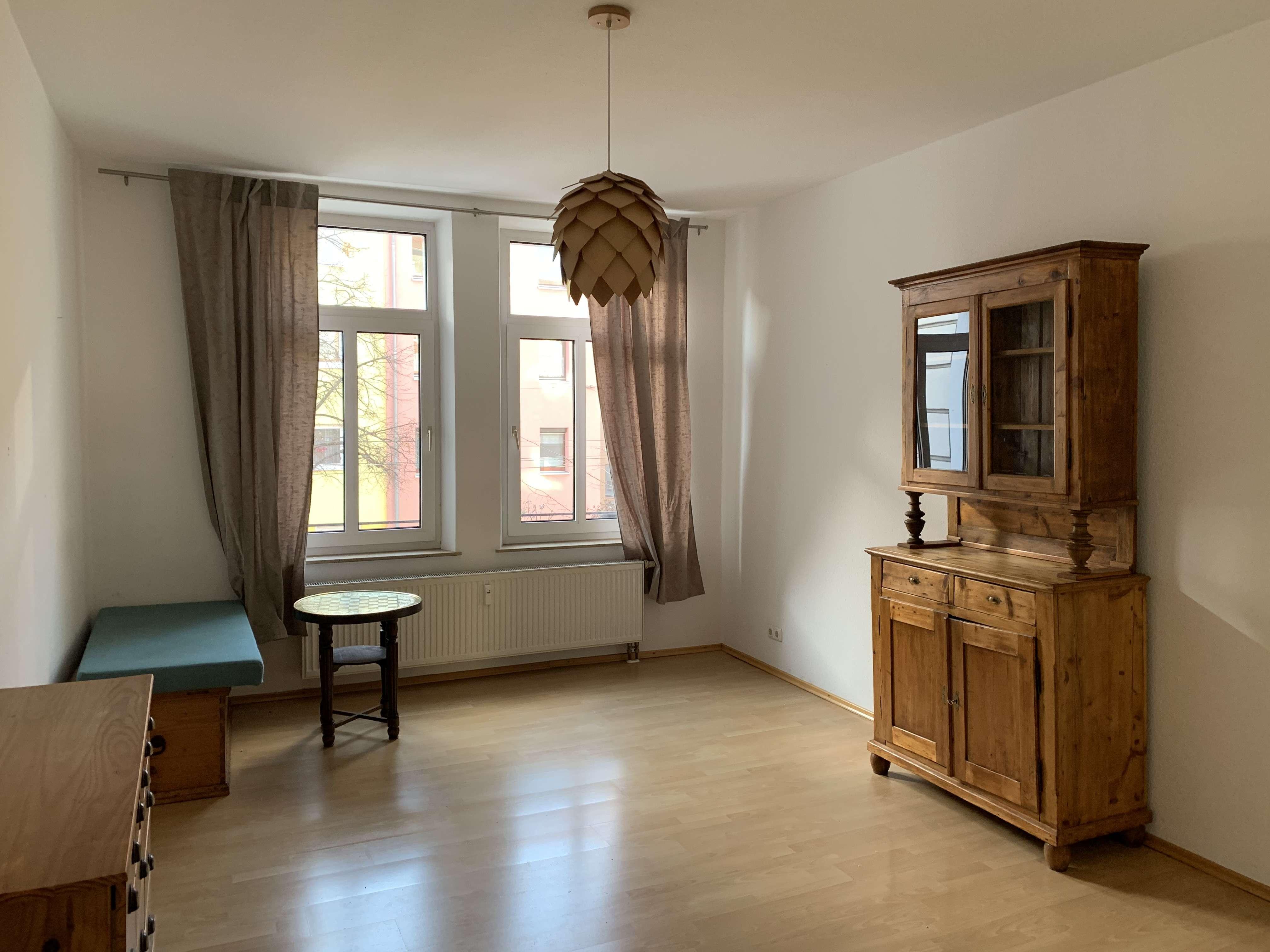 Stilvolle, vollständig renovierte 2-Zimmer-Wohnung mit gehobener Innenausstattung in Nürnberg in