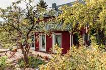 Bild Großes Einfamilienhaus im schwedischen Landhausstil  in Berlin Altglienicke