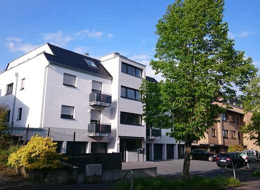 Großzügige, helle und neuwertige 3-Zimmer-DG-Wohnung, mit EBK und Balkon in Brühl-Kierberg