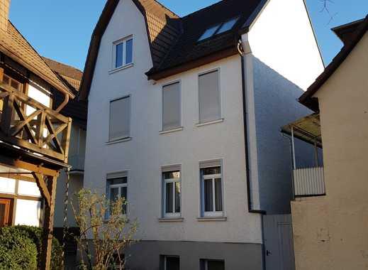 Nette Dachgeschosswohnung - in ruhiger Lage mitten im Zentrum