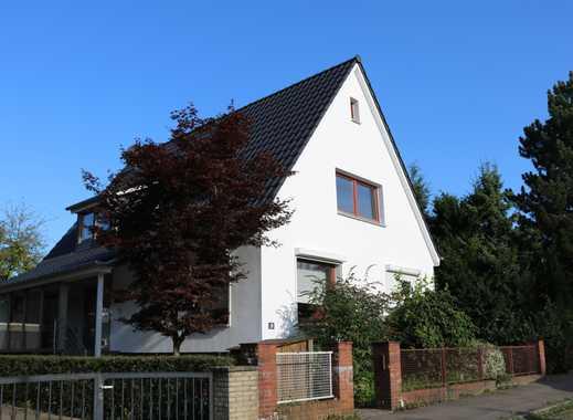 2-Zimmer-DG-Wohnung mit separatem Eingang und großer Dachterrasse in Lohbrügge, Hamburg