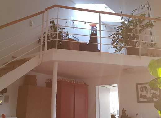 Ruhige 2,5-Zimmer-Maisonette-Wohnung mit Balkon und Einbauküche in Ulm