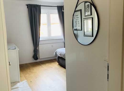 Exklusive, modernisierte 3-Zimmer-Wohnung mit Balkon und Einbauküche in Overath