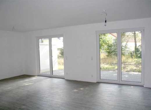 ERSTBEZUG! Herrliche 3-Zimmer-Wohnung mit Terrasse, Fußbodenheizung und Stellplatz in ruhige Lage