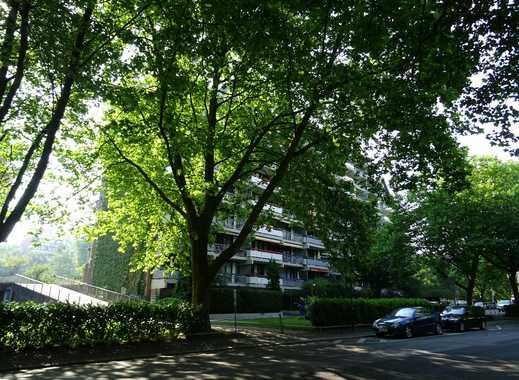 Begehrte Lage: Köln-Weiden!!! Helle 3-Zimmer-Wohnung, 97m², 2 Balkone, Aufzug, TG-Stellplatz!