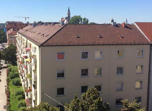 3-Zimmer-Wohnung mit Loggia - 100 Meter von der U-Bahn entfernt