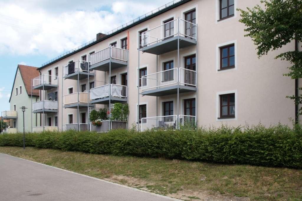 Wiesau . schöne 3-Zimmer-Wohnung mit Balkon im 1. OG in