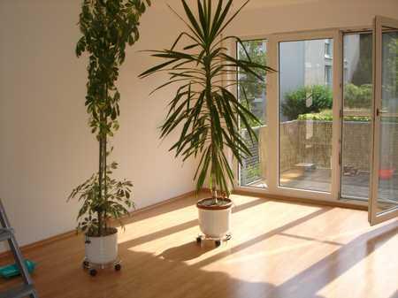 Sonnige 3 Zimmer-Wohnung, Nähe Regnitzgrund in Schwand / Eigenes Heim (Fürth)