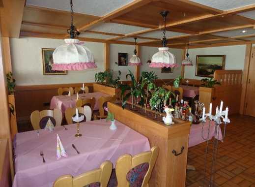 Preiswerte Existenz für fleißige Wirtsleute: Wohnhaus mit Gastronomie, Fewos u. weitere Ausbaufläche