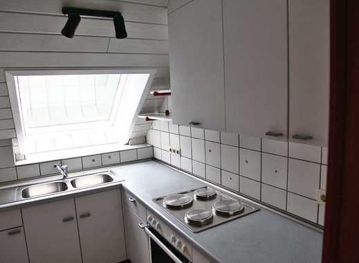 Helle modernisierte 2-Zimmer-DG-Wohnung mit EBK in Gelsenkirchen