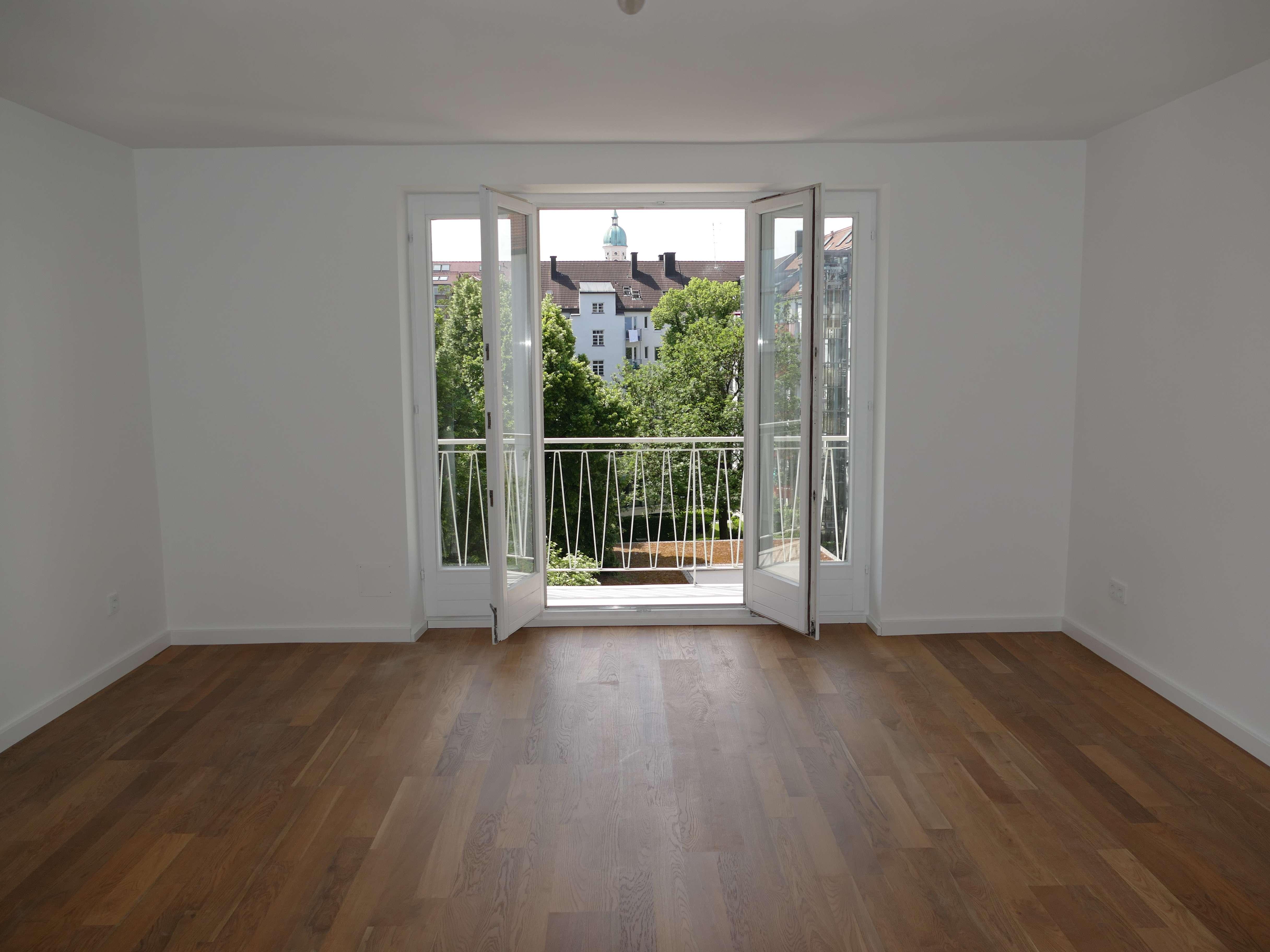 Befristet: Bestlage Schwabing, top-saniert, Süd-Balkon in Schwabing-West (München)