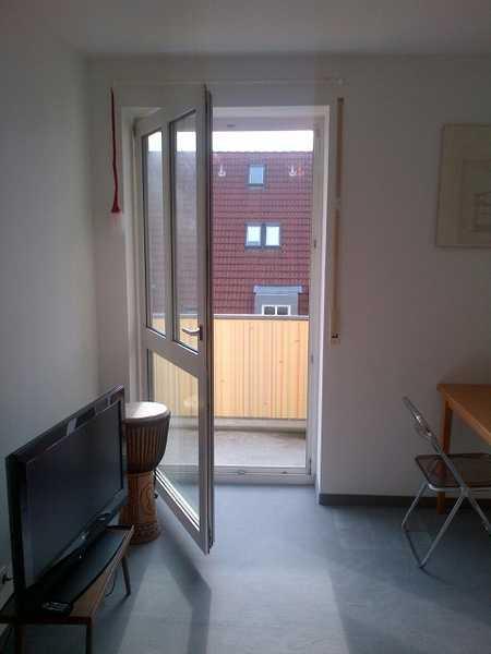 Ruhige, helle und gepflegte 2-Zimmer-Wohnung mit Balkon und EBK in Regensburg in Westenviertel (Regensburg)