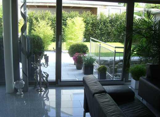 Exklusive 125qm EG Wohnung mit 50qm Terrasse, Garten und Fußbodenheizung und eigenem Eingang