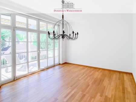 Helle 4-Zimmer-Wohnung mit drei Balkonen. Frisch renoviert, mit Sauna! in Bogenhausen (München)