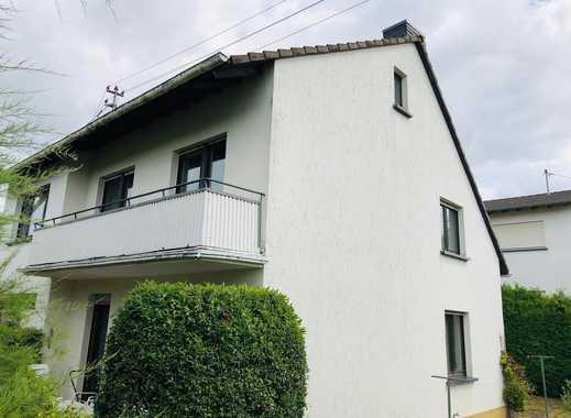 Freistehendes Einfamilienhaus mit Garage und Garten in Mayen