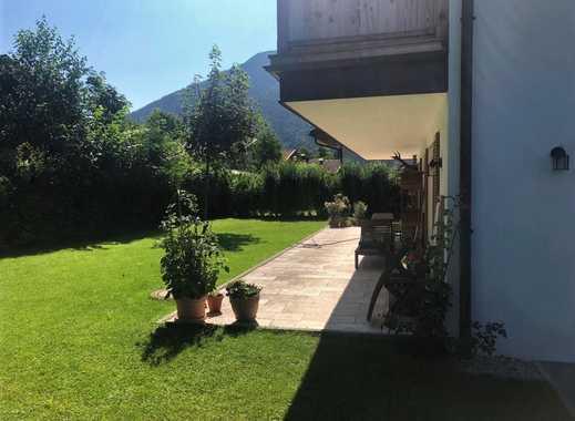 Exklusive Erdgeschoss-Wohnung mit Terrasse und Garten in Top Lage