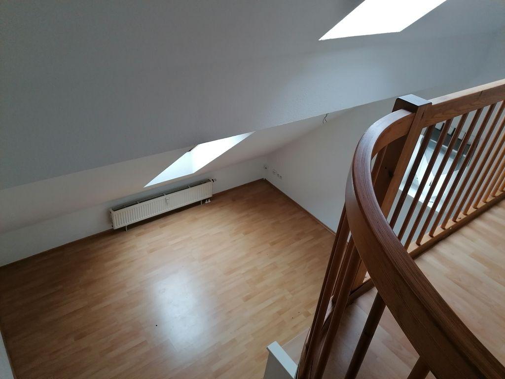 1 zimmer dachgeschoss galerie wohnung. Black Bedroom Furniture Sets. Home Design Ideas
