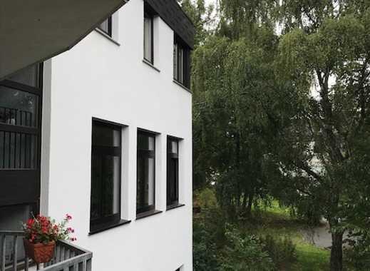Schöne, helle Loftwohnung mit 4,5 Zimmern und zwei Balkonen, zwei Bädern + TG