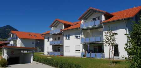 Neuwertige 4-Raum-EG-Wohnung mit Balkon in Marquartstein in Marquartstein