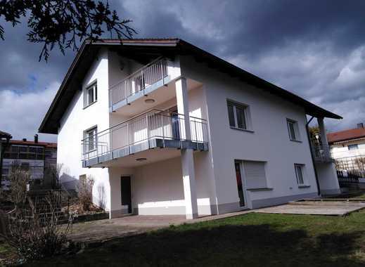 BEZUGSFREI & PROVISIONSFREI: Attraktives 3-Familienhaus mit Fernblick ins Grüne nahe Regensburg