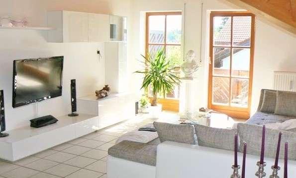 Hübsche 2-Zi.-DG-Wohnung mit 2 Balkonen, im Westen von Freilassing in Freilassing