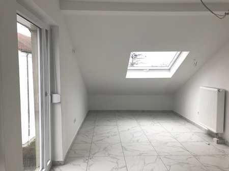 Erstbezug nach Sanierung: 1 ZimmerAppartement DG in Obertraubling