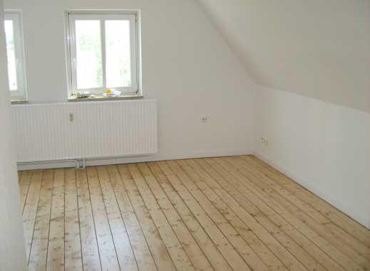 Charmante Dachgeschoss-Wohnung in Kücknitz