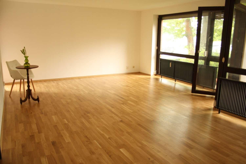 3-Zimmer Stadtwohnung im Grünen mit Schwimmbad im Haus in Südwest (Ingolstadt)
