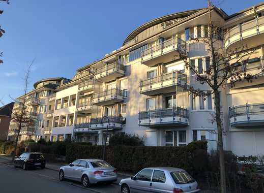 Gepflegte 2-Zimmer-Wohnung mit Terrasse,  Einbauküche u. TG-Stellplatz zu vermieten