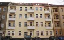 Bild Liebevoll restaurierte 2-Zimmer-Altbauwohnung mit Spreeblick und grüner Hofoase