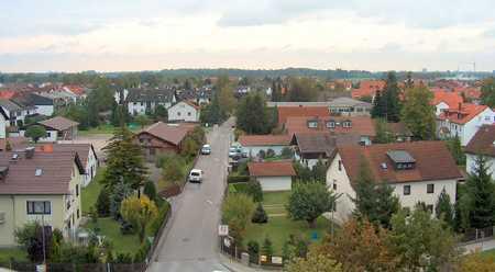 Großzügig - sonnig - gut ausgestattet - Gut geschnittene 4-Zi.-Wohnung mit 2 Loggien, Olching S3 in Olching