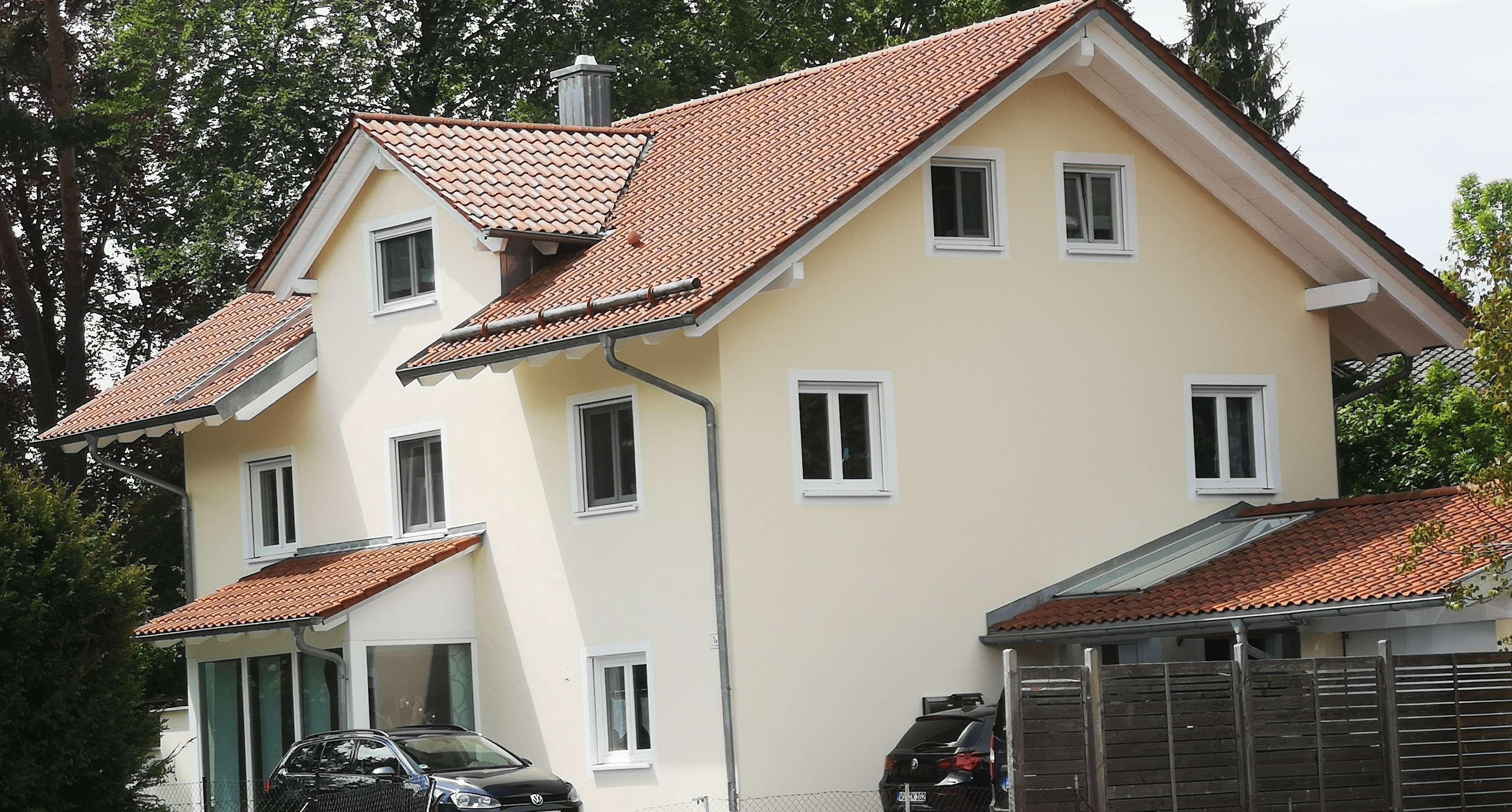 Stilvolle, neuwertige 4-Zimmer-Maisonette-Wohnung mit 2 Balkonen in