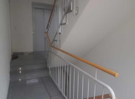 Gepflegte 3-Zimmer-Wohnung mit zwei Balkonen, Aufzug und EBK in Velbert