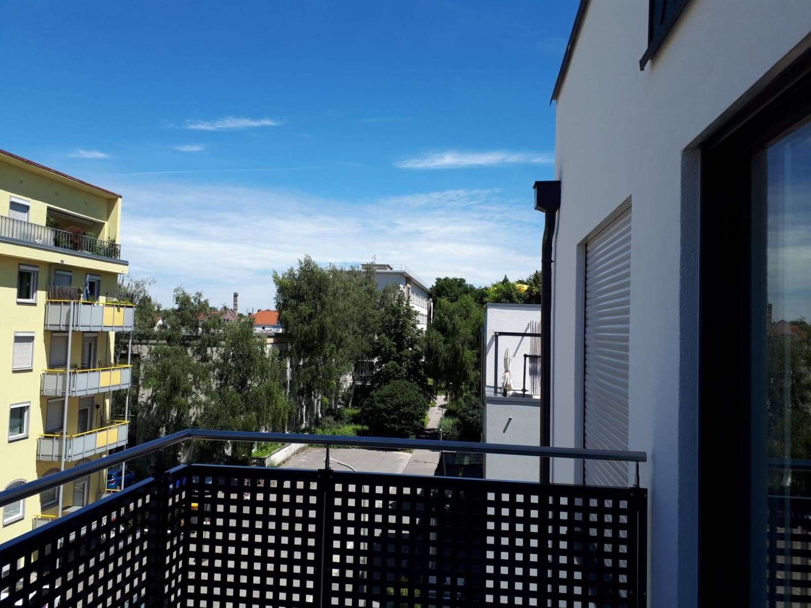 Erstbezug: exklusive 2-Zimmer-Wohnung mit Einbauküche und Balkon in Augsburg (Nähe Hauptbahnhof)