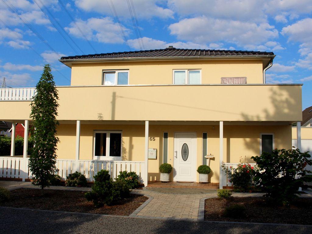 Haus Amelie - Einfamilienhaus mit Veranda, Dachterrasse und ...