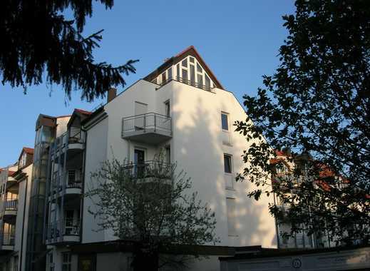 Gepflegte, neuwertige 1-Zimmer-Dachgeschosswohnung mit Einbauküche in Neufahrn bei Freising