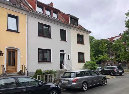 Tolle Dachgeschoss-Wohnung in kernsaniertem Haus