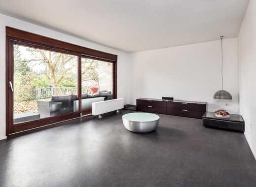 Freistehendes Einfamilienhaus mit Terrasse und direktem Waldblick in Berlin-Kladow