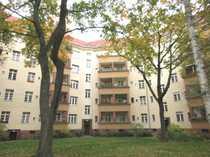 Bild Vermietete Altbauwohnung in Charlottenburg mit Dielenfußboden und Balkon!