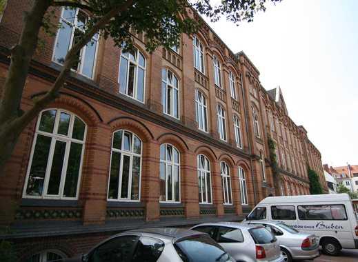 """""""Junges Wohnen"""". Separates Zimmer mit Hochbett, Studioküche, eigenes Bad in historischem Gebäude"""