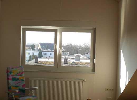 Stilvolle, gepflegte 2-Zimmer-Dachgeschosswohnung mit Einbauküche in Darmstadt