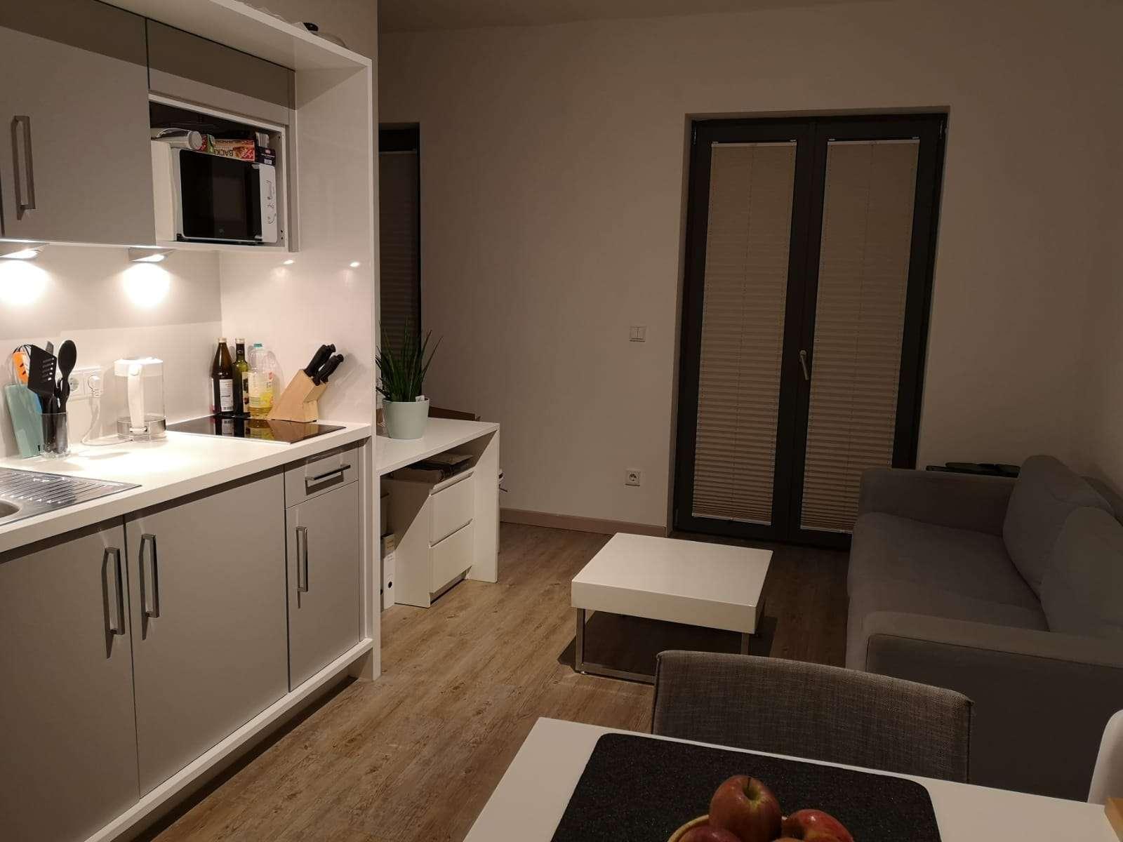 Stilvoll möblierte 1-Zimmer-Wohnung mit Terrasse für Studenten in Ingolstadt in Südost (Ingolstadt)