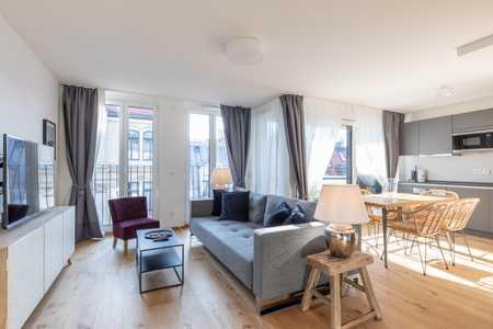 Neue Möblierte 3-Zi Wohnung mit Balkon / New Furnished 3-Room Apartment + Balcony, Munich-Lehel in Lehel (München)