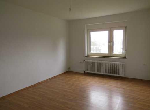 Renovierte, helle 2,5 Raum EG-Wohnung in angenehmer Wohnlage! Neues Bad!
