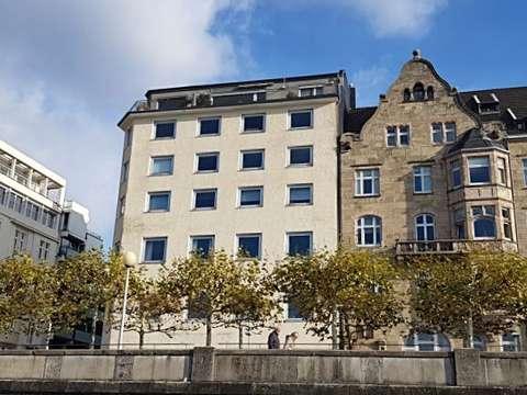 Direkte Rheinfront Grosszugige 3 Zi Wohnung Mit Balkon Mannesmannufer 9 Ecke Backerstrasse